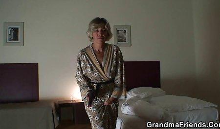 سکسی بالغ فاک sexجوردی در حالی که همسرش ساعت را تماشا می کند