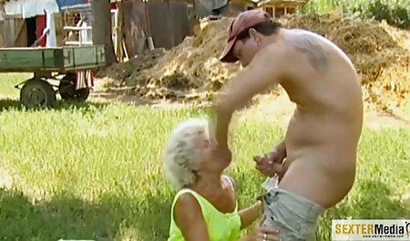 ارواح جوردی با مامان در ساحل عمومی. سکس گروهی قبل از تماشاگر