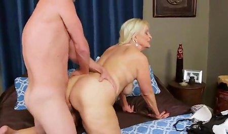 Big سکس پسر جوان جوردی Tit Fucking در دهه 70 - 1970